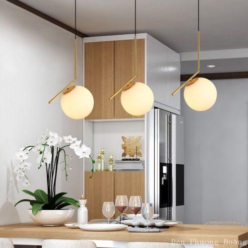 Đèn thả thủy tinh trang trí bàn ăn