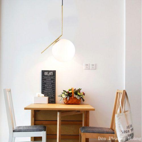 Đèn thả trần hình cầu trang trí bàn ăn